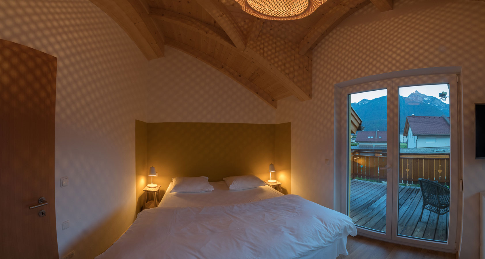 villa-sonnata-36-master-bedroom